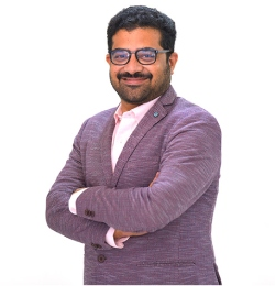 Dr.Srinidhi T